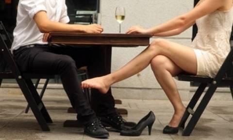Πασίγνωστος (παντρεμένος) Έλληνας πολιτικός σε «ροζ» ταξιδάκια με 24χρονη φοιτήτρια - Ποιος είναι;