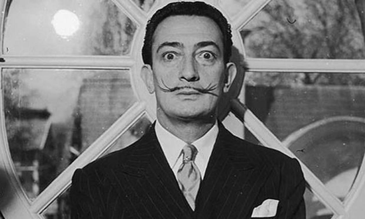 Απίστευτο: Το χαρακτηριστικό μουστάκι του Νταλί παραμένει άθικτο τρεις δεκαετίες μετά τον θάνατό του