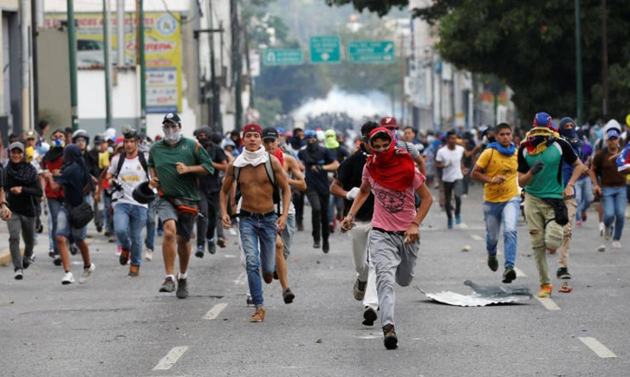 Βενεζουέλα: Στους 100 ο αριθμός των νεκρών από την έναρξη των διαδηλώσεων