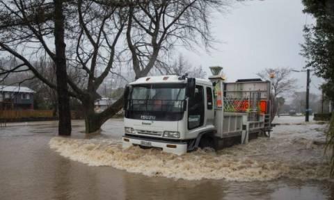 Σε κατάσταση συναγερμού η Νέα Ζηλανδία από την υπερχείλιση του ποταμού Χίθκοτ