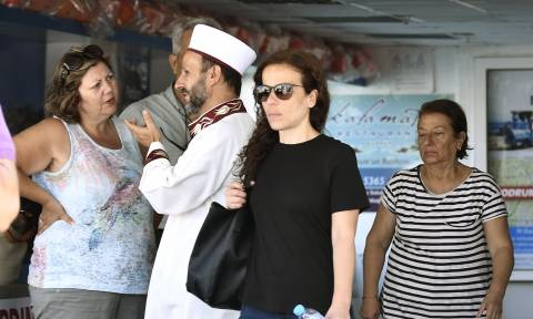 Σεισμός Κως: Στο νησί οι γονείς του άτυχου Τούρκου για να παραλάβουν τη σορό του (pics)