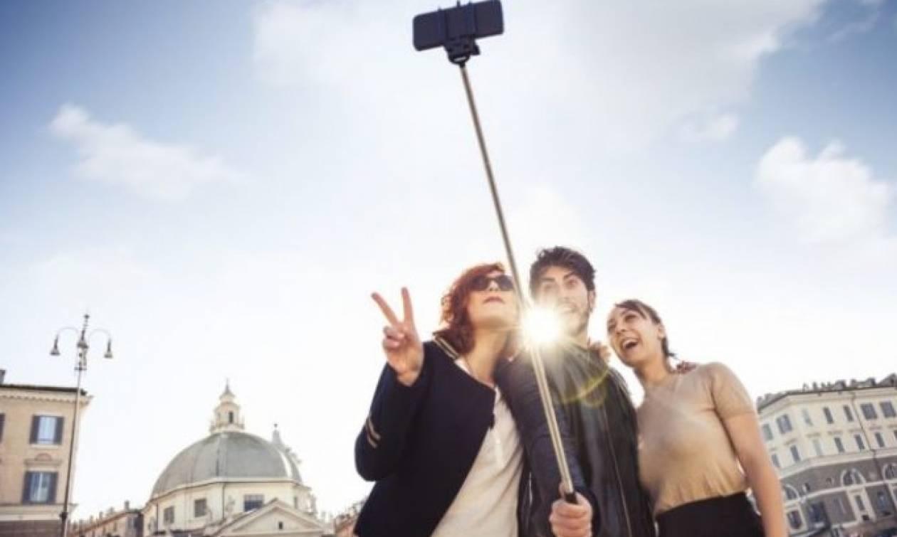 Στο Μιλάνο απαγορεύθηκε η χρήση των selfie sticks