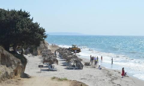 Σεισμός στην Κω: Αμμόλοφος έπεσε σε παραλία με λουόμενους