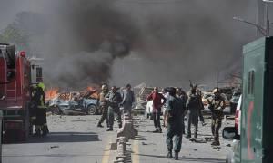 Μακελειό στο Αφγανιστάν: Δεκάδες νεκροί και τραυματίες από έκρηξη στην Καμπούλ