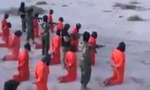 Σκληρές εικόνες: Εν ψυχρώ εκτέλεση τζιχαντιστών στη Λιβύη (video)