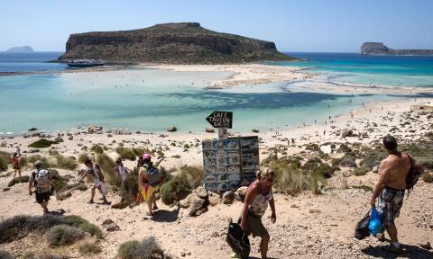 Χανιά: Είσοδο 10 ευρώ για δύο κοσμικές παραλίες ζητά η Ένωση Ξενοδόχων