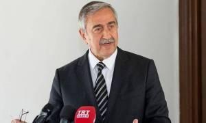 Ο Ακιντζί δέχεται επικρίσεις από υποστηρικτές του για το Κυπριακό