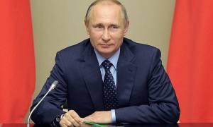 Путин подписал закон о правах детей, родители которых находятся в местах лишения свободы