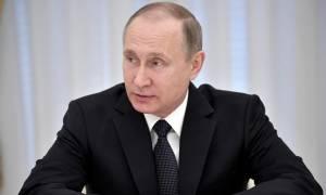 Путин облегчил режим свиданий для заключенных с детьми