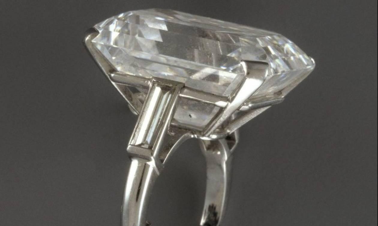 Το Βρετανικό Μουσείο… έχασε δακτυλίδι αξίας 750.000 λιρών