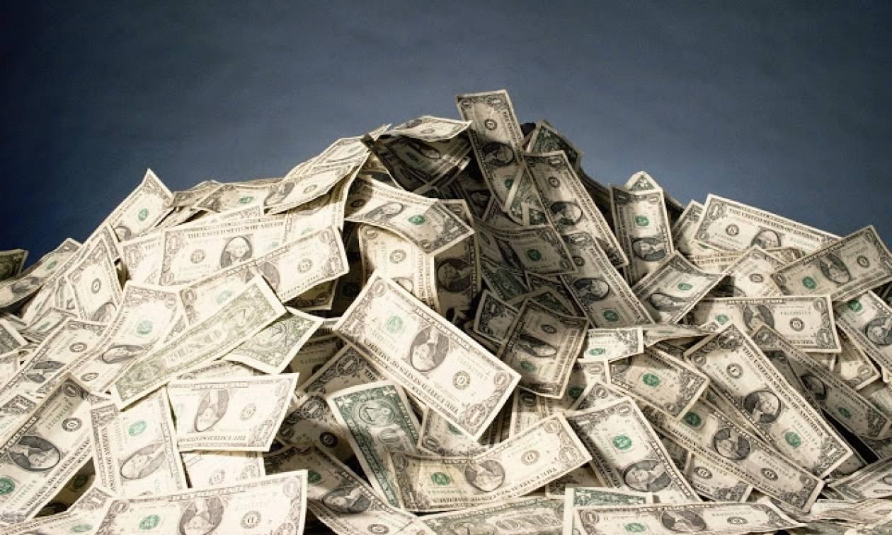 Αυτός είναι ο πλουσιότερος άνθρωπος στον πλανήτη!