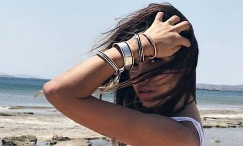 Όλγα Φαρμάκη: «Γκρέμισε» το Instagram με τη sexy αρετουσάριστη φωτογραφία της με μαγιό!