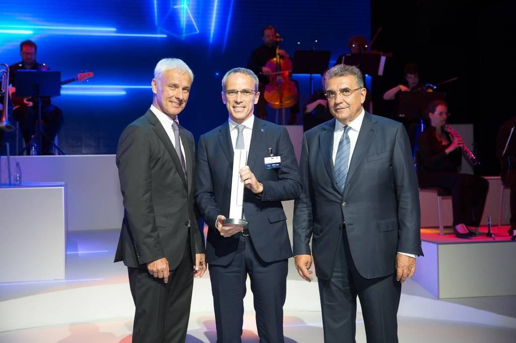 Η Bridgestone παραλαμβάνει το Βραβείο Καινοτομίας & Τεχνολογίας του Ομίλου Volkswagen Group
