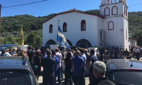 Πτώση αεροσκάφους στη Λάρισα: Θρήνος στην κηδεία του σμηναγού Νίκου Γρηγορίου