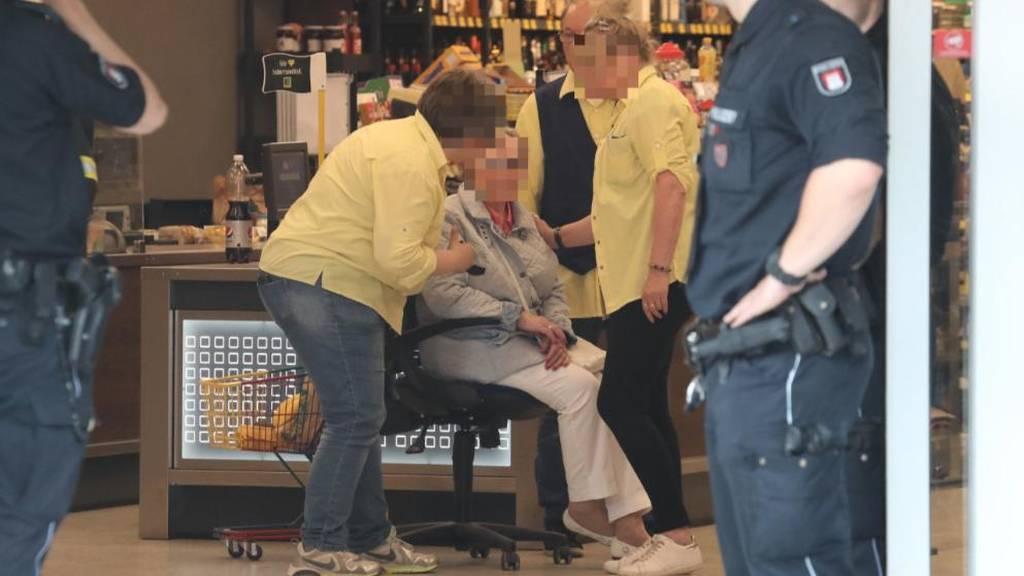 Συναγερμός στο Αμβούργο: Ένας νεκρός και αρκετοί τραυματίες από επίθεση με μαχαίρι (pics+vid)