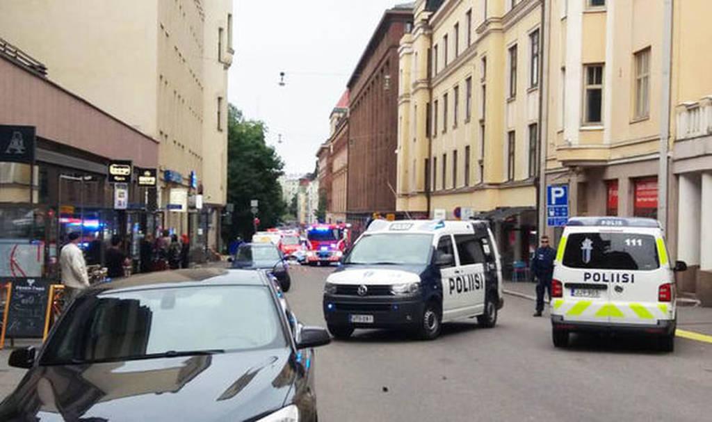 Αυτοκίνητο «θέρισε» πεζούς στο Ελσίνκι - Ένας νεκρός και αρκετοί τραυματίες