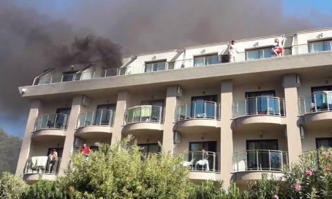 Φωτιά σε ξενοδοχείο: Πανικός για 400 τουρίστες (pics)