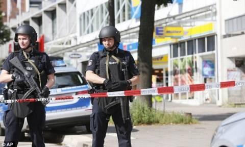 «Σφίγγα» ο δράστης της επίθεσης στο Αμβούργο - Δεν αποκαλύπτει τα κίνητρά του