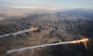 Σύννεφα πολέμου πάνω από τη Βόρεια Κορέα: Βομβαρδιστικά των ΗΠΑ κυκλώνουν την κορεατική χερσόνησο