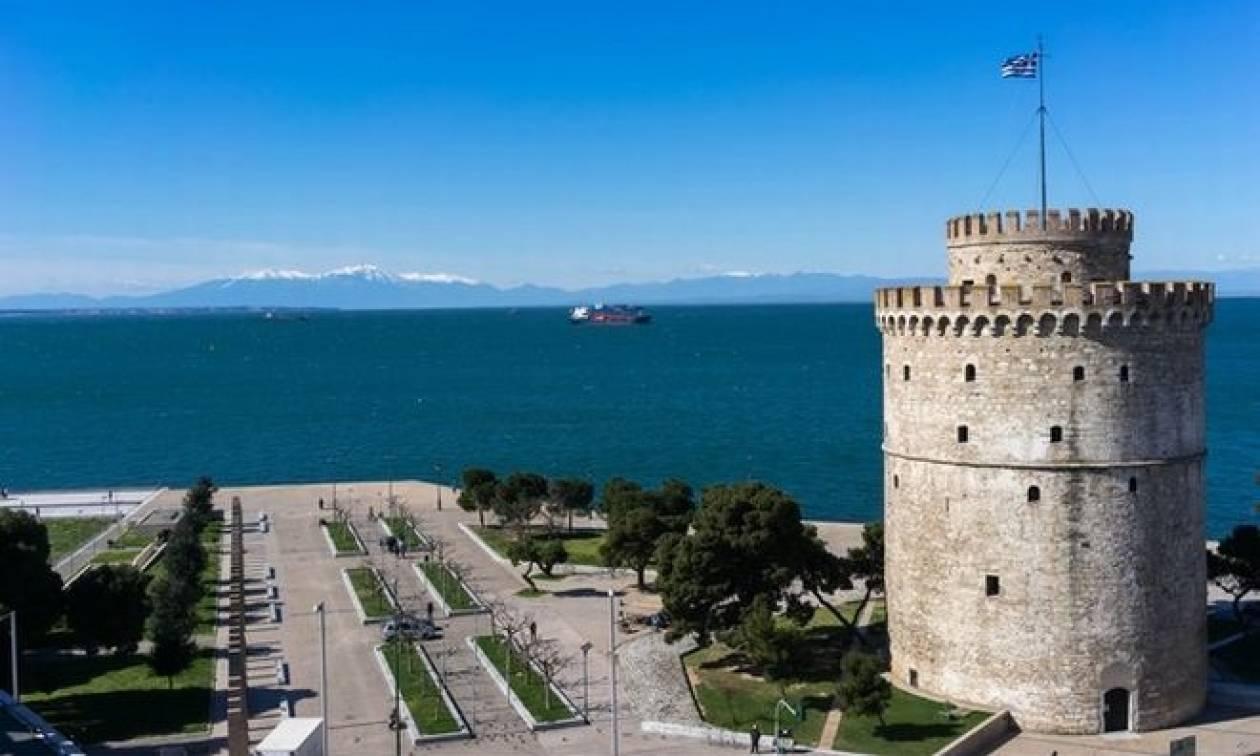 Ούτε ιερό ούτε όσιο: Τούρκοι επιχείρησαν να υψώσουν τουρκική σημαία στον Λευκό Πύργο!