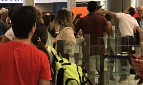 Σάλος με τον υπάλληλο αεροδρομίου που γρονθοκόπησε επιβάτη με μωρό στην αγκαλιά (photo)