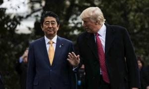 Τηλεφωνική επικοινωνία Τραμπ - Άμπε με επίκεντρο τη Βόρεια Κορέα