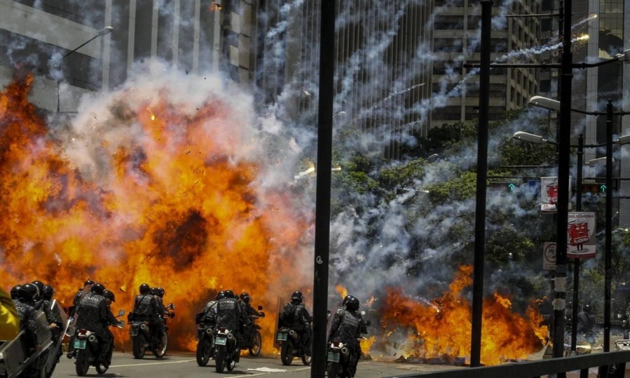 Στο αίμα «πνίγηκαν» οι εκλογές στη Βενεζουέλα - Δείτε συγκλονιστικές φωτογραφίες και βίντεο
