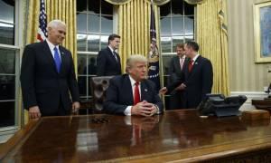 Νέα απομάκρυνση στον Λευκό Οίκο: Ο Τραμπ καθαίρεσε και τον διευθυντή επικοινωνίας