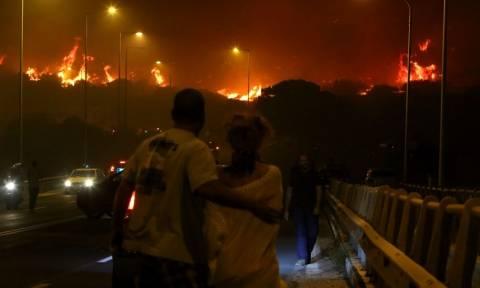 Φωτιά στα Καλύβια: Εικόνες ΣΟΚ - Έτσι έζησαν οι κάτοικοι τον πύρινο εφιάλτη