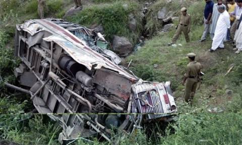 Τραγωδία στη Μαδαγασκάρη: Τουλάχιστον 34 νεκροί από πτώση λεωφορείου σε γκρεμό