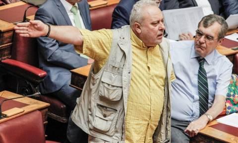 «Γαλλικά» Ψαριανού - Παπαδόπουλου στη Βουλή - Δείτε τον απίστευτο διάλογο