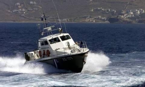 Τουριστικό σκάφος προσέκρουσε σε επιβατηγό που ήταν δεμένο στην Κω – Δεν υπήρξαν τραυματισμοί