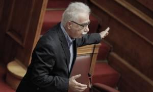 Γαβρόγλου: «Βαθιά αντιδημοκρατικές» οι δηλώσεις που συνδέουν την αριστεία με τη σημαία