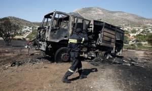 Νέος συναγερμός ΤΩΡΑ στην Ανάβυσσο για μεγάλη φωτιά – Ζημιές σε σπίτια και αυτοκίνητα