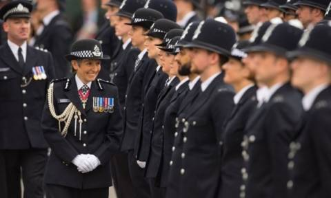 Η πρώτη γυναίκα αρχηγός της αστυνομίας του Λονδίνου στη Vogue! (pics)