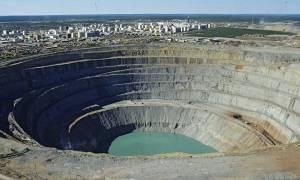 Ρωσία: Εννέα αγνοούμενοι μετά από ατύχημα σε αδαμαντωρυχείο (vid)