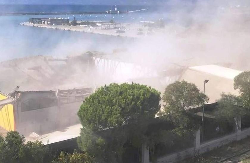 Τραγωδία στην Πάτρα: Ένας νεκρός από κατάρρευση οροφής κτηρίου (pics)