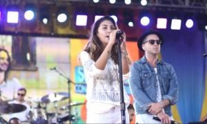 Ανατριχίλα: Η Τόνι Κορνέλ τραγουδάει για τον νεκρό πατέρα της! (vid)