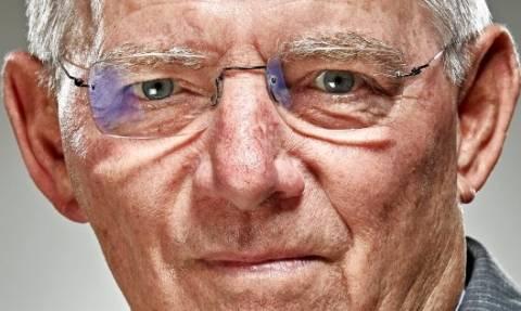 Σφοδρή επίθεση Spiegel κατά Σόιμπλε: Επέπληττε την Ελλάδα λόγω εξουσιομανίας και αλαζονείας