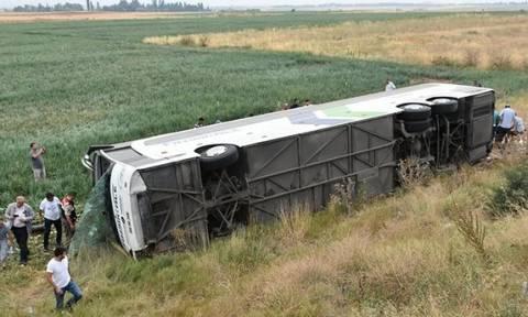 Τραγωδία στην Τουρκία: Αυξάνεται ο αριθμός των νεκρών από το σοβαρό τροχαίο με λεωφορείο (Vid)