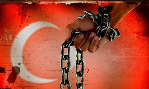 Προσφυγή στο Ευρωπαϊκό Δικαστήριο για την απελευθέρωση δημοσιογράφου που κρατά όμηρο ο Ερντογάν