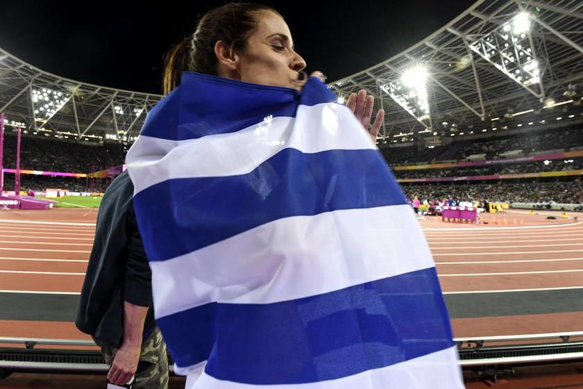 «Βασίλισσα» Κατερίνα - Παγκόσμια Πρωταθλήτρια η Στεφανίδη που «πέταξε» στα 4,91 (vid+pics)