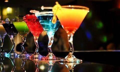Απίστευτο: Δείτε τι συνέβη σε 20χρονη μέσα σε μπαρ του Ηρακλείου και ΚΑΝΕΙΣ δεν πήρε χαμπάρι!