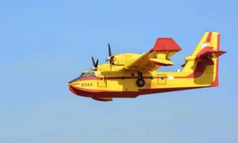 Πάνω από 200 ώρες πτήσης συμπλήρωσαν τα πυροσβεστικά αεροσκάφη το περασμένο τριήμερο