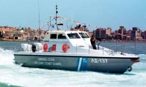 Σύρος: Περιπέτεια για 46χρονο που βυθίστηκε το σκάφος του