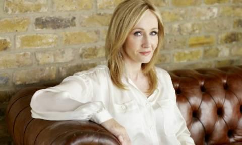 Αυτή είναι η πλουσιότερη συγγραφέας στον κόσμο με εισόδημα 95 εκατ. ευρώ!