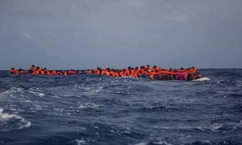 Φόβοι για 55 νεκρούς μετανάστες – Οι διακινητές τους ανάγκασαν να πέσουν στη θάλασσα