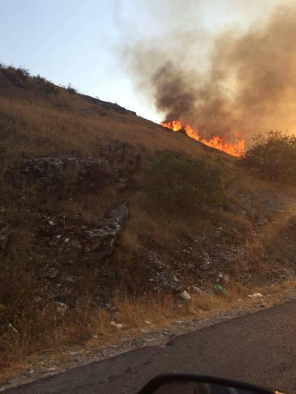 Φωτιά ΤΩΡΑ: Σε πύρινο κλοιό 10 ελληνικά χωριά στην Αλβανία - Βοήθεια στέλνει η Ελλάδα (pics&vids)