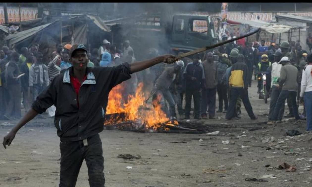 Κένυα: Ο Κενυάτα επανεξελέγη πρόεδρος - Επεισόδια και δακρυγόνα σε Ναϊρόμπι και Κισούμου