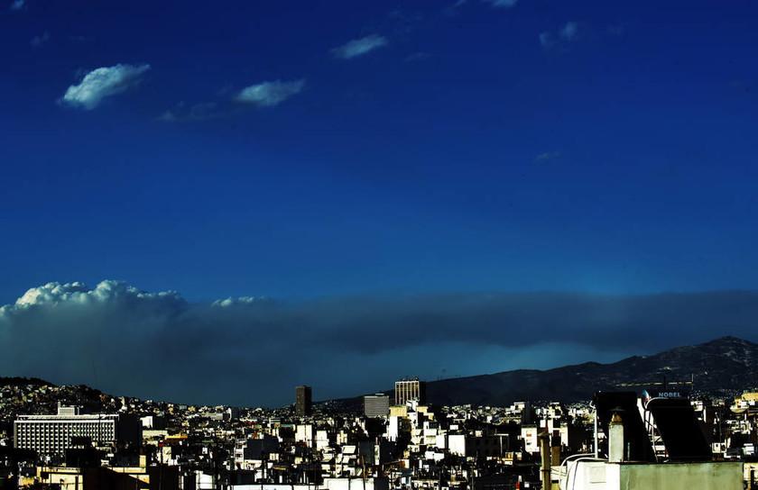 Φωτιά Κάλαμος - Εικόνες ΣΟΚ: Ορατοί οι καπνοί από το κέντρο της Αθήνας (pics)
